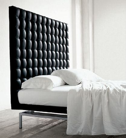 Quilted bed Bruno Rainaldi,alivar-boss-bed-headboard